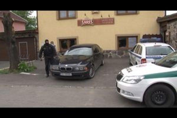 Motopub na Table v Snine: V rukách polície skončil sninský podnikateľ Martin M. a jeho priateľka.