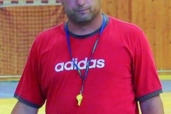 Tréner Michaloviec Pavol Jano. Momentálne je s tímom v susednom Maďarsku.