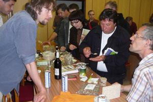 Produkty z konope. Pestovatelia zo Zemplína a účastníci konferencie degustovali výrobky z konope