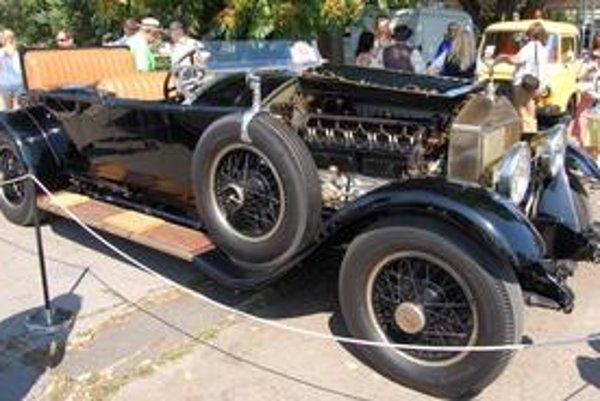 Historický kráľ. Rolls royce z roku 1926 vlastní Michalovčan Oto Melcer.