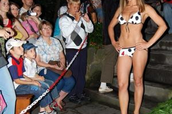 Kam pôjde titul tento rok? Vlani sa Miss plavky stala Trebišovčanka Janka Smandrová (na snímke). V roku 2007 vyhrala Michalovčanka a predtým Enikö z Kráľovského Chlmca.