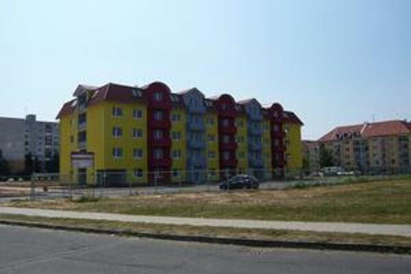 Bytovka na Sídlisku pod Sokolejom je hotová. Mesto sa rozhodlo, že vedľa nej postaví ďalší podobný bytový dom. Žiadosť na Štátny fond rozvoja bývania by malo podať začiatkom budúceho roku.