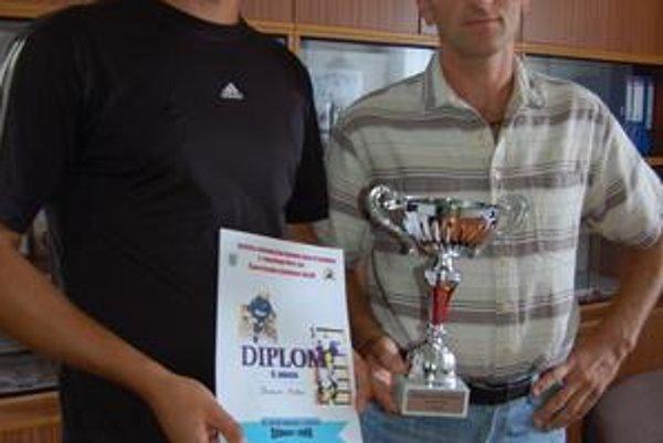Záchranári Slavomír Matta (vľavo) a Marek Slivka obsadili v medzinárodnej konkurencii 2. miesto.