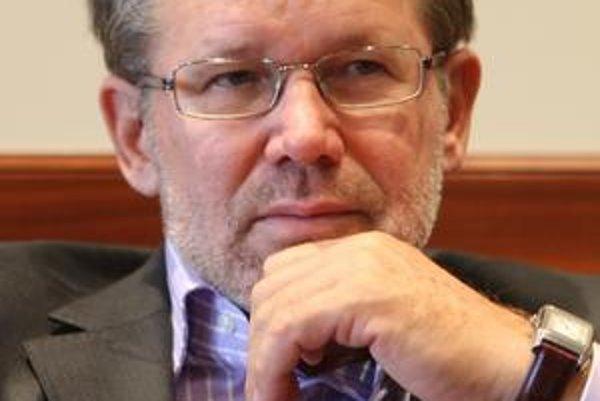 Gábor Zászlós.