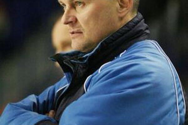 Nový tréner Miroslav Ihnačák verí, že s trebišovskou loďou dopláva až do play-off.