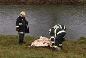 Utopený. Bezvládne telo objavili školáci v rieke Laborec na sídlisku Stráňany.