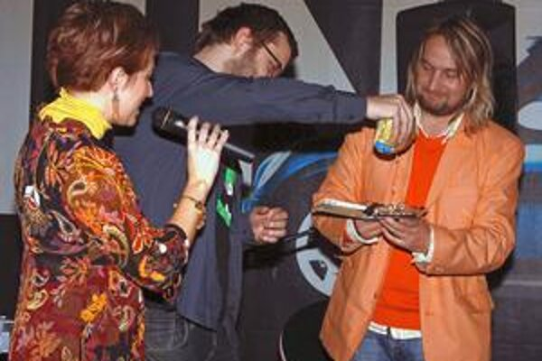 Krst rozprávkového CD. Krstným otcom bol Maťo Husovský z Komajoty (v strede).