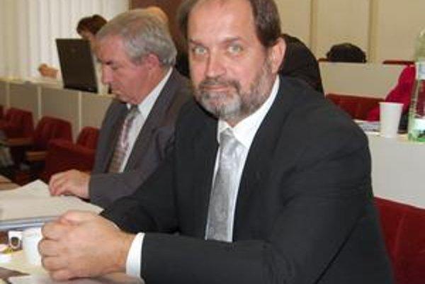 Nový riaditeľ. Technickým službám už šéfuje Július Oleár.