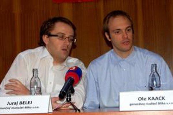 Šéfovia firmy Blika. Riaditeľ O. Kaack a finančný manažér J. Belej.
