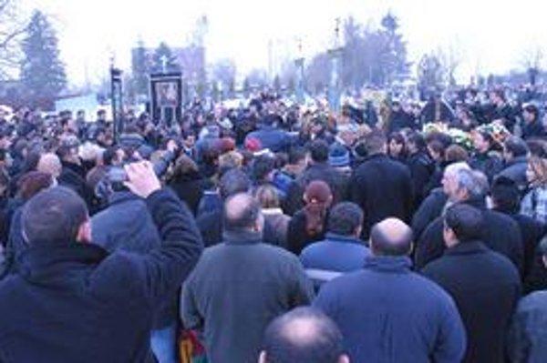 Prišli stovky Rómov. Milan Tancoš bol ich hudobným kráľom. Rómskym Michaelom Jacksonom.