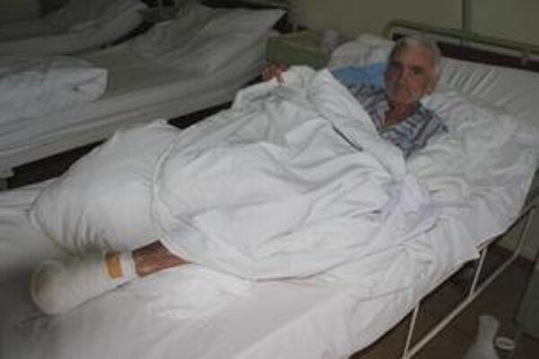 Ján Kuchta. Kvôli omrzlinám prišiel o časť pravej nohy a prsty na ľavej nohe.