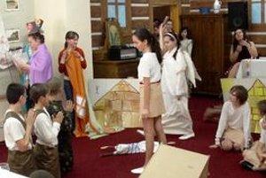 Divadlo ako darček. Deti pre učiteľov pripravili prekvapenie.