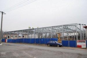 Štadión v Levoči počas rekonštrukcie.