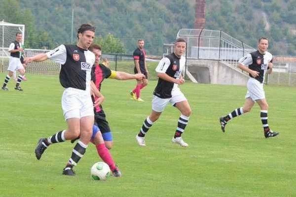 Šesťgóloví Krompašania. Dva majstrovské zápasy za sebou vyhrali Krompašania zhodne vysokým skóre 6:0.