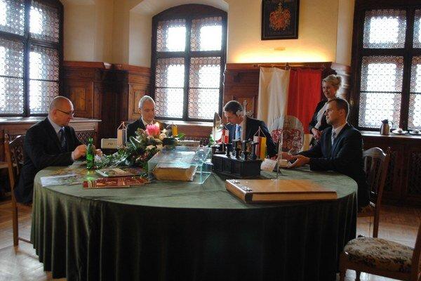Primátori štyroch spišských miest. Na spoločnom rokovaní v Levoči.