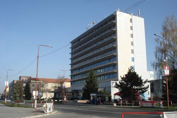 Administratívna budova. V budove má byť zriadené klientske centrum.