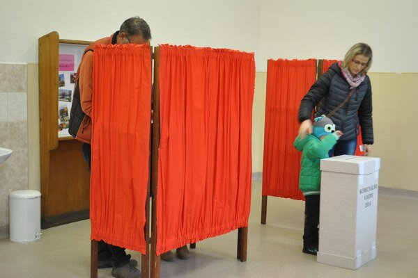 Voľby v Spišskej Novej Vsi. Účasť tu bola najnižšia v obvode.