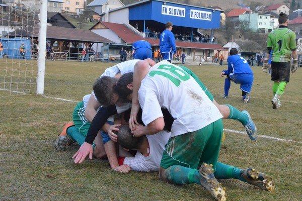 Bohatá ponuka štvrtoligového futbalu. V sobotu je na programe derby Rudňany – V. Folkmar, v nedeľu prestížny súboj na krompašskom trávniku.