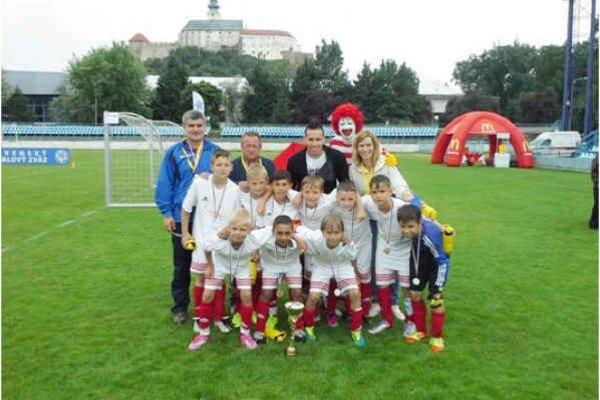 Veľký úspech. V celoslovenskom finále skončilo družstvo FK Spišská Nová Ves na výbornom treťom mieste.