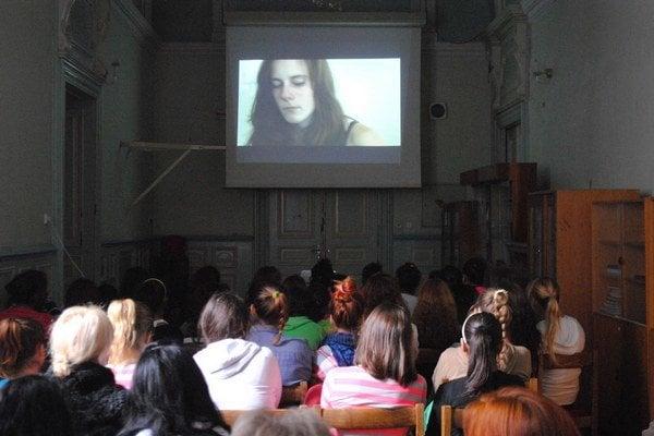 Reedukačné centrum. V utorok videli film aj dievčatá zo Spišského Hrhova.