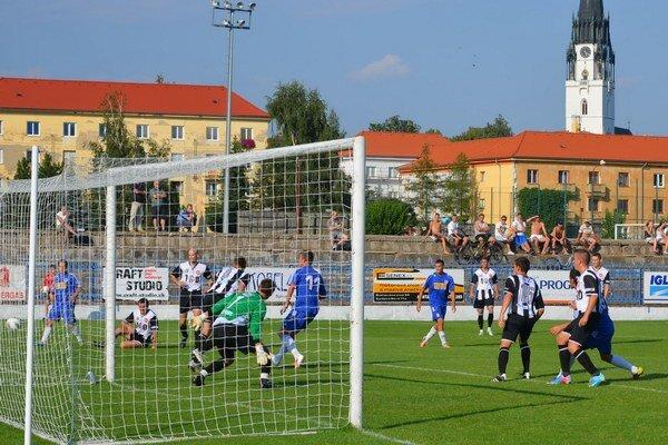 Nehrajú v kompletnom zložení. Zostava Spišiakov sa mení každý zápas. Dnes proti Snine budú chýbať Boroš a Dunajčan.