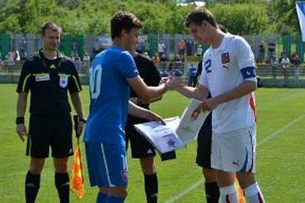 Zápas v Lehote pod Vtáčnikom. Slováci zdolali Čechov 1:0.