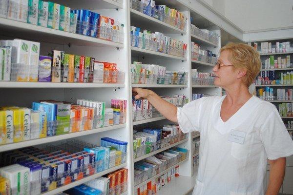 Vakcíny proti chrípke. V lekárňach ich je nedostatok.