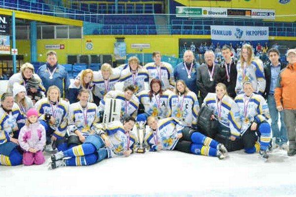 HC Osy Spišská Nová Ves – strieborné v sezóne 2013/2014. Počas celého súťažného ročníka hokejistky zo Spiša suverénne viedli v ženskej ligovej súťaži. Po veľkom finále s Popradčankami ostali len oči pre plač.