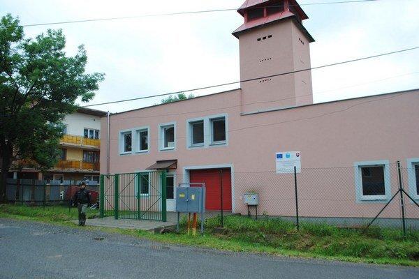 Policajná stanica. Otvorili ju v bývalej hasičskej zbrojnici.