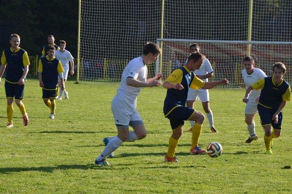 Futbalová dovolenka končí, začína boj o majstrovské body. Futbalová šaľenota na Spiši začína naplno svoju novú sezónu 2014/2015.