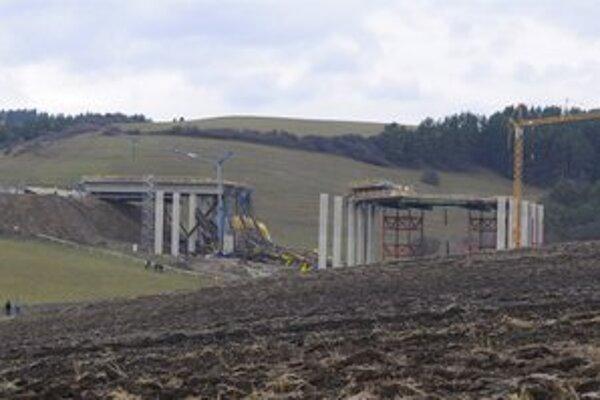 Miesto tragédie, počas ktorej došlo k zrúteniu podpornej konštrukcie mosta.