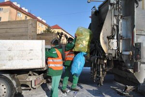 Komunálny odpad. Poplatok zaň v Krompachoch zaokrúhlili.