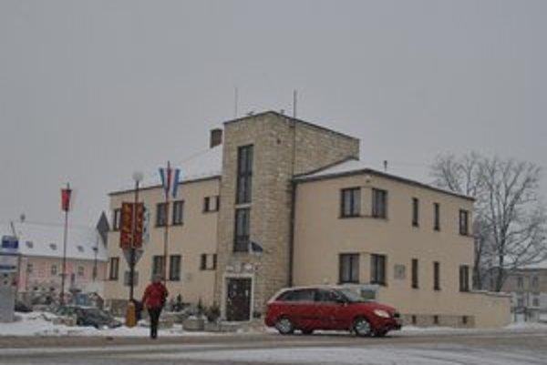 Spišské Podhradie. Mesto vystúpilo zo ZMOS-u. Aj ročné členské je pre Podhradčanov drahé.