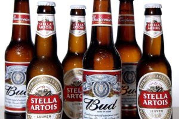Svetoznáme pivné značky Stella Artois a Budweiser majú spoločného majiteľa.