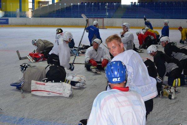 Hokejisti trénujú, funkcionári rokujú. Najbližšie dni ukážu, ako to bude ďalej s hokejom v HK Spišská Nová Ves.