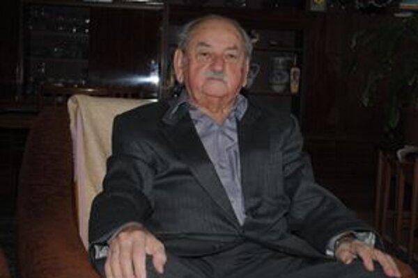 Alexander Barčák je aj v 90-ke neustále činorodý.