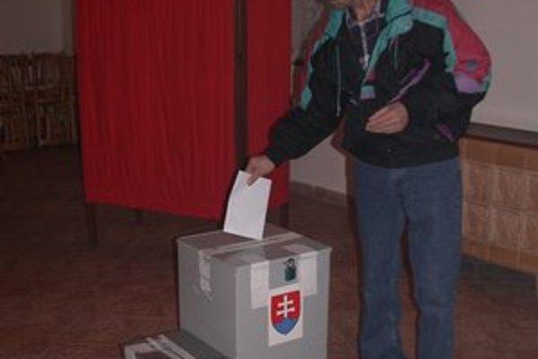 Predčasné parlamentné voľby sa uskutočnia už túto sobotu.