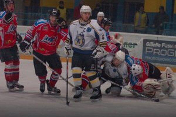 Zvýšený záujem o hokej. Záujem o majstrovské zápasy Gelničanov stúpol, tí však doma často prehrávali.