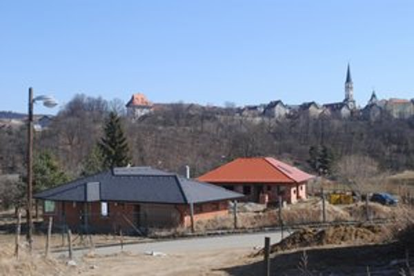 Začiatkom toho storočia. Posledné parcely boli v Levoči k dispozícii niekedy v roku 2000.