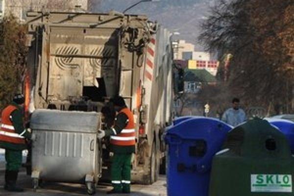 Poplatok za odpad v meste pre rok 2012 znížili, platia aj rôzne výnimky.