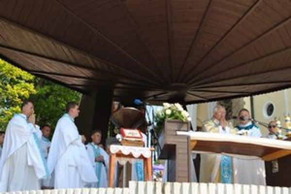 Spišský biskup Mons. Š. Sečka celebroval slávnostnú sv. omšu púte.