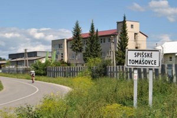 Vstup do obce. Spišské Tomášovce založil Tomáš, syn Botu (Botch).