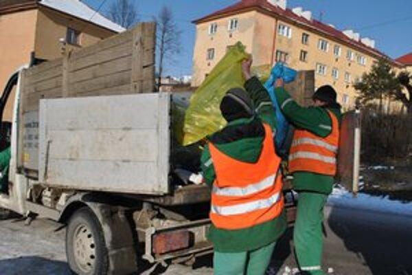 Odpad v Krompachoch. Od septembra ho bude zbierať a vyvážať staronová firma.