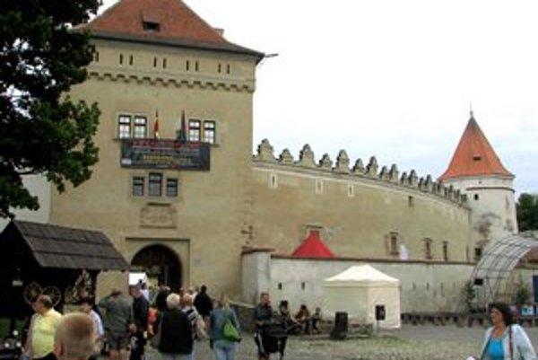 Kežmarok je príťažlivý pre turistov aj vďaka hradu.
