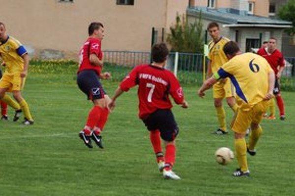 Smižany opäť v čele. Po vypadnutí z vyššej súťaže patria Smižany opäť medzi popredné spišské kluby v VI. lige podtatranskej.