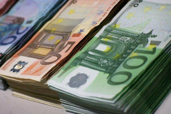 Neplatiči dlhujú Prievidzi aj Handlovej tisíce eur.