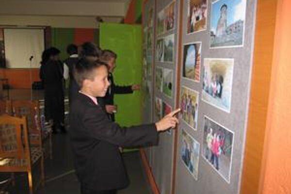 Výstava. Deti dnes aj vďaka tejto výstave spomínajú na pekné spoločné chvíle.