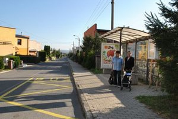 Ľubomíra a Emília. Do mestskej časti Ferčekovce chodievajú na chatu. Podľa nich je označenie dostatočné.