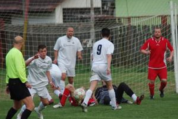 Nepolepšili si. Futbalisti Harichoviec si doma proti Koš. N. Vsi streleckú bilanciu nevylepšili, keď nedokázali streliť ani jeden gól.