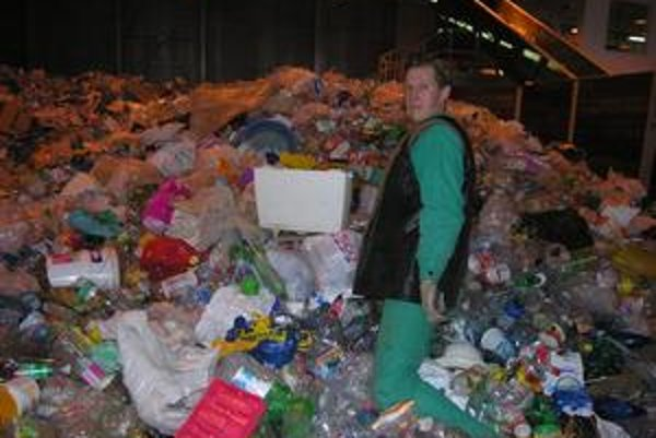 Triedenie odpadu. Je v tomto krízovom čase stratové.